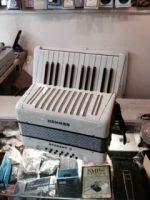 Hohner Student II -12 Bass Piano Accordion